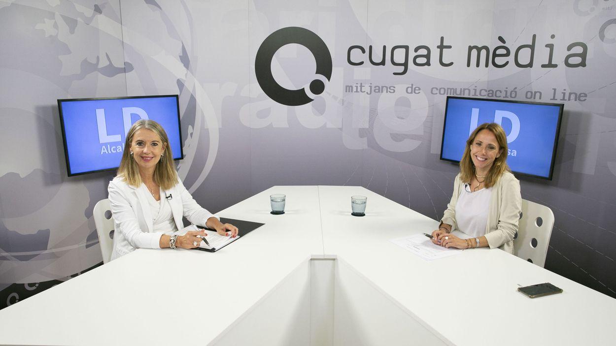 L'alcaldessa, Mireia Ingla, i la directora de Cugat Mèdia, Mònica Lablanca, al plató / Foto: Lluís Llebot (Cugat Mèdia)