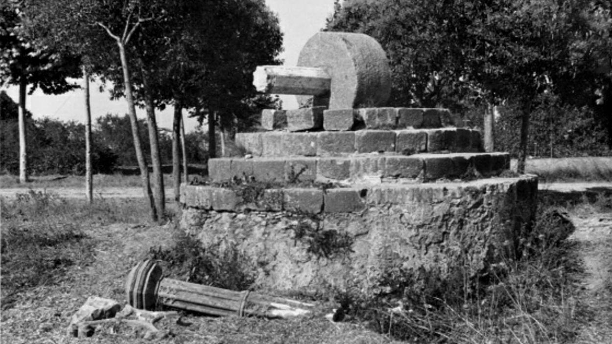 La Creu del Terme va ser enderrocada el 1936 durant la Guerra Civil / Foto: Col·lecció de l'Abans, cedida per Josep Maria Cases Eroles