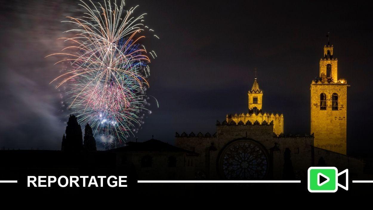 Dos castells de focs simultanis han tancat la Festa Major de Sant Cugat d'aquest any / Foto: Lali Puig (Ajuntament de Sant Cugat)