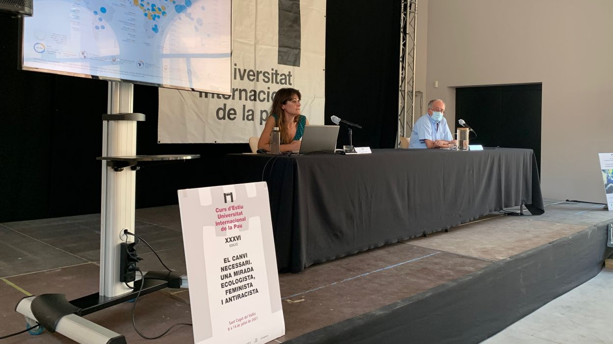 Susana Borràs durant la conferència del curs d'estiu de la Unipau / Foto: Cugat Mèdia