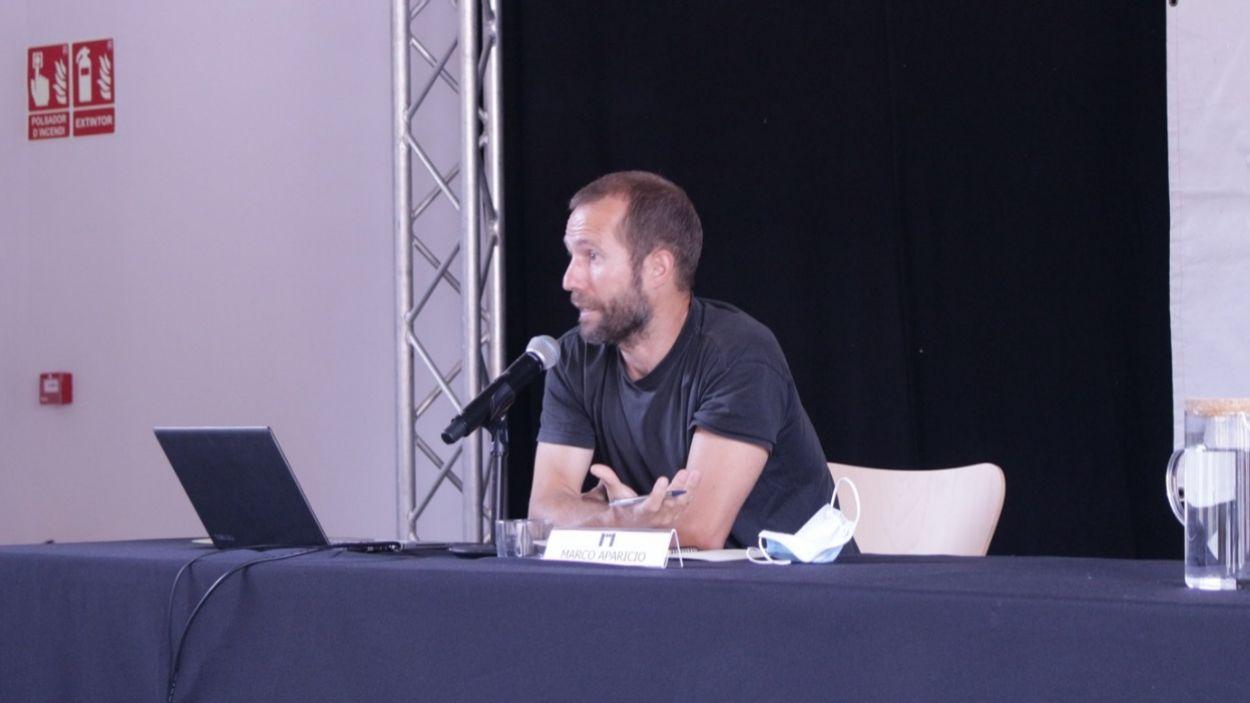 El ponent, Marco Aparicio, durant la conferència del Curs d'Estiu de la Unipau a La Unió / Foto: Unipau