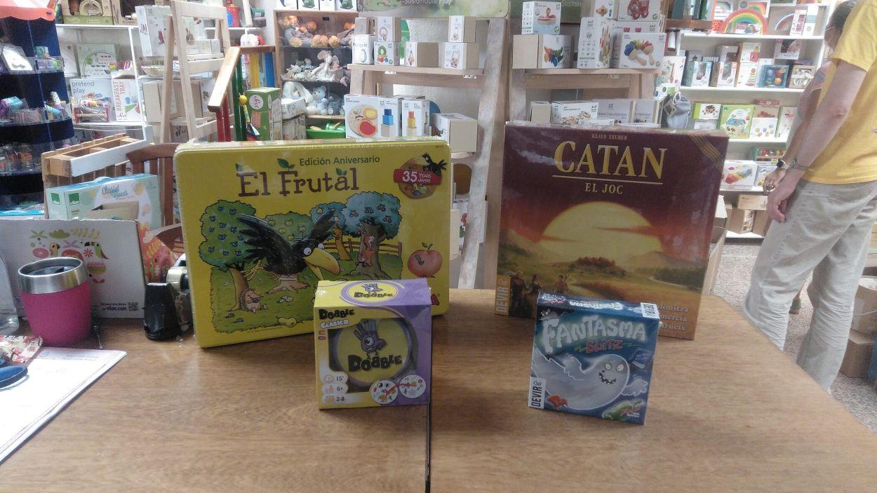 Quatre jocs de taula als que podem jugar aquest estiu en família