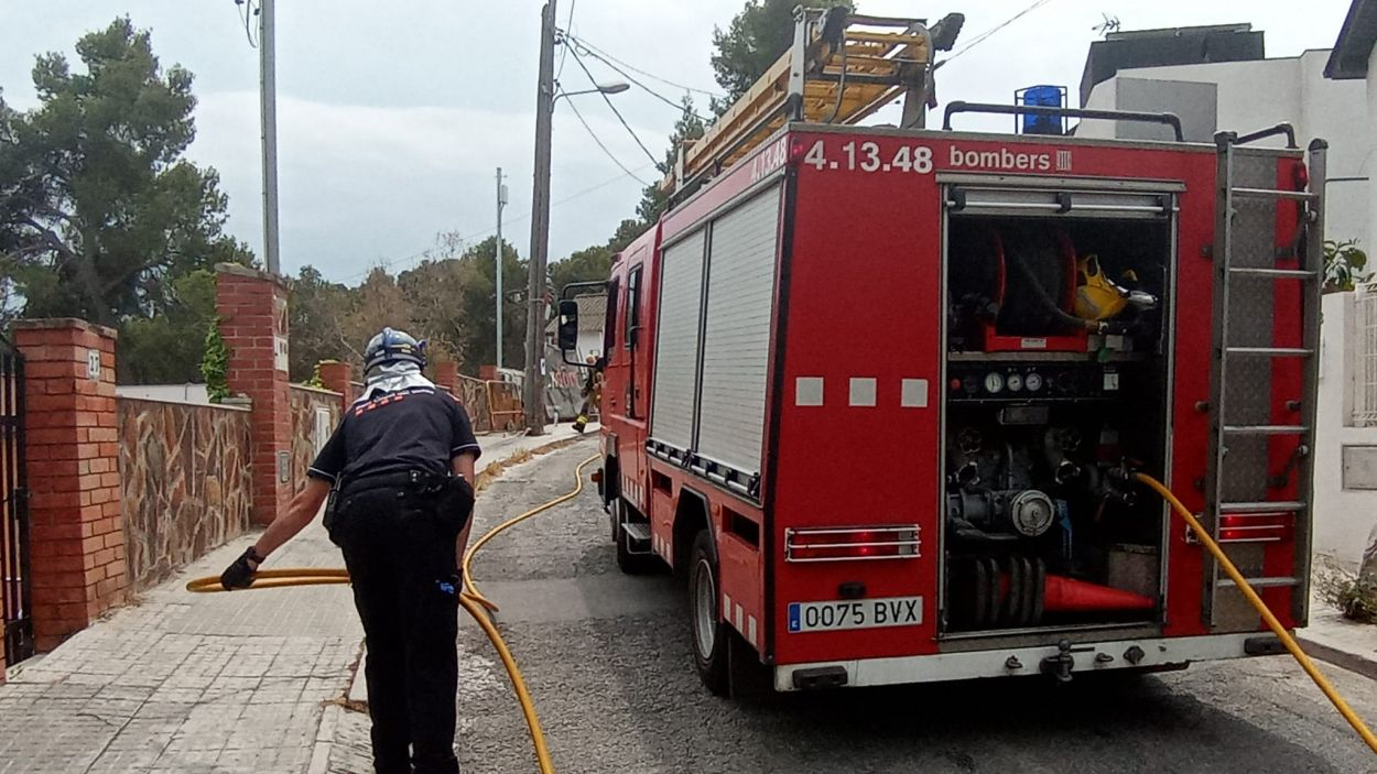 Policia Local, Bombers i Protecció Civil s'han personat al lloc dels fets / Foto: Protecció Civil