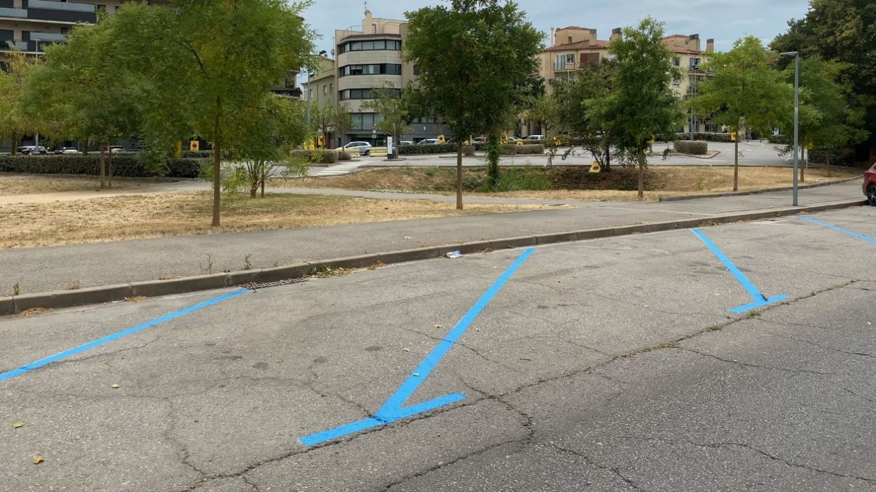 Imatge de carrer i de l'aparcament / Foto: Cugat Mèdia