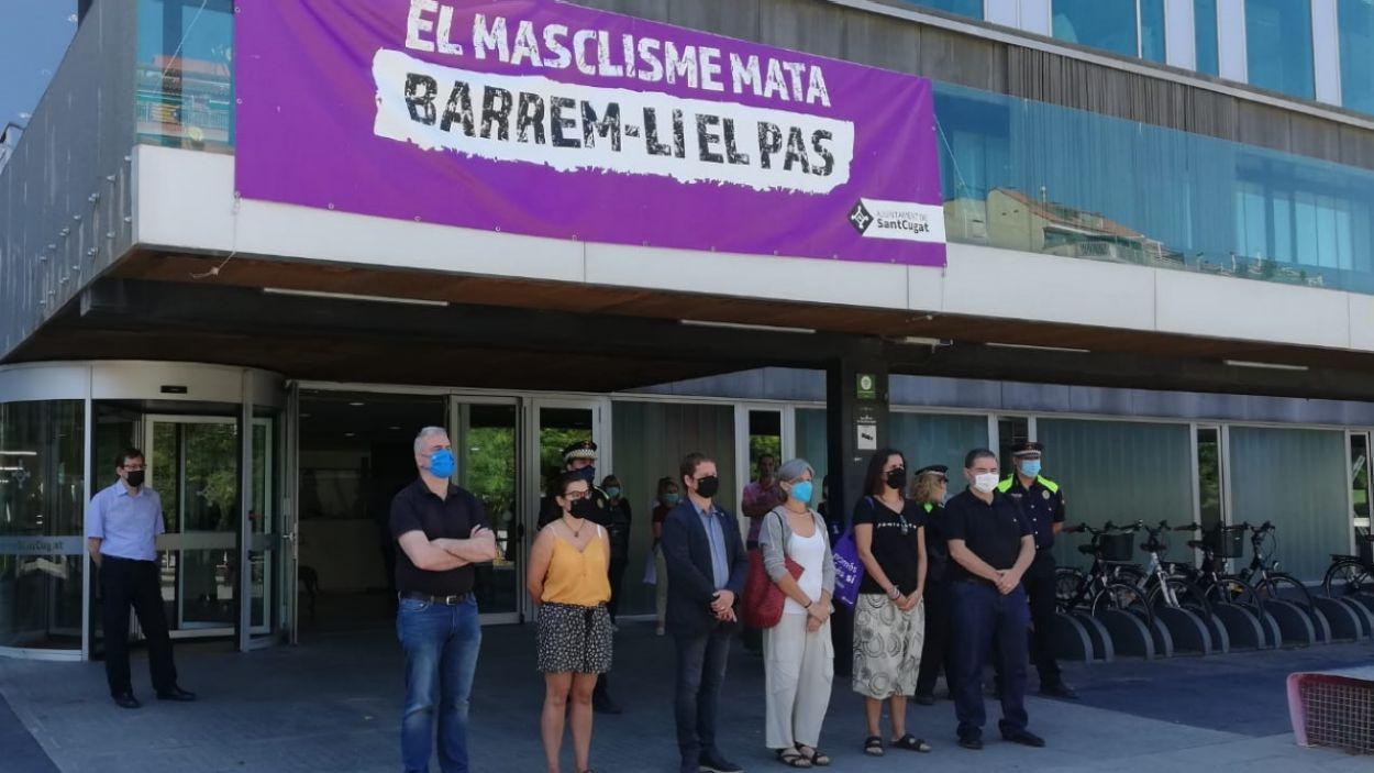 Alguns dels regidors durant el minut de silenci / Foto: Ajuntament de Sant Cugat