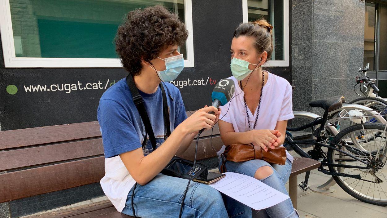 Mar Molina, co-fundadora de 'Sant Cugat a casa', durant l'entrevista / Foto: Cugat Mèdia