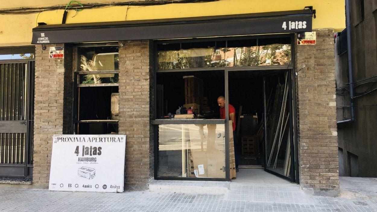 El restaurant '4 latas' obre a Sant Cugat a l'antic local del Bar Hamburg