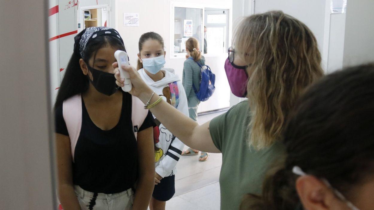 Classes híbrides: com seran les classes en cas d'un positiu amb alumnes vacunats i no-vacunats?
