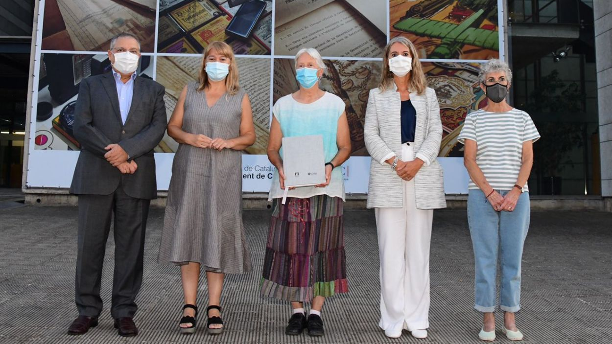 D'esquerra a dreta, Francesc Balada, Natàlia Garriga, Janine Künzi, Mireia Ingla i Neus Sotomayor / Foto: Localpres
