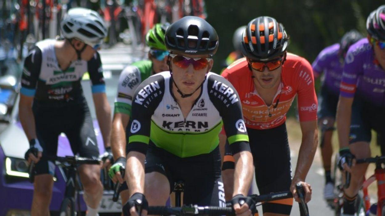 Roger Adrià a la Vuelta Burgos amb el seu actual equip, el Kern Pharma / Foto: Equipo Kern Pharma