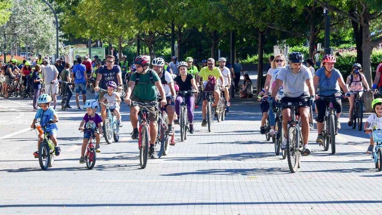 Un moment de la bicicleta d'aquest diumenge dins la Setmana de la Mobilitat Sostenible / Foto: Localpress