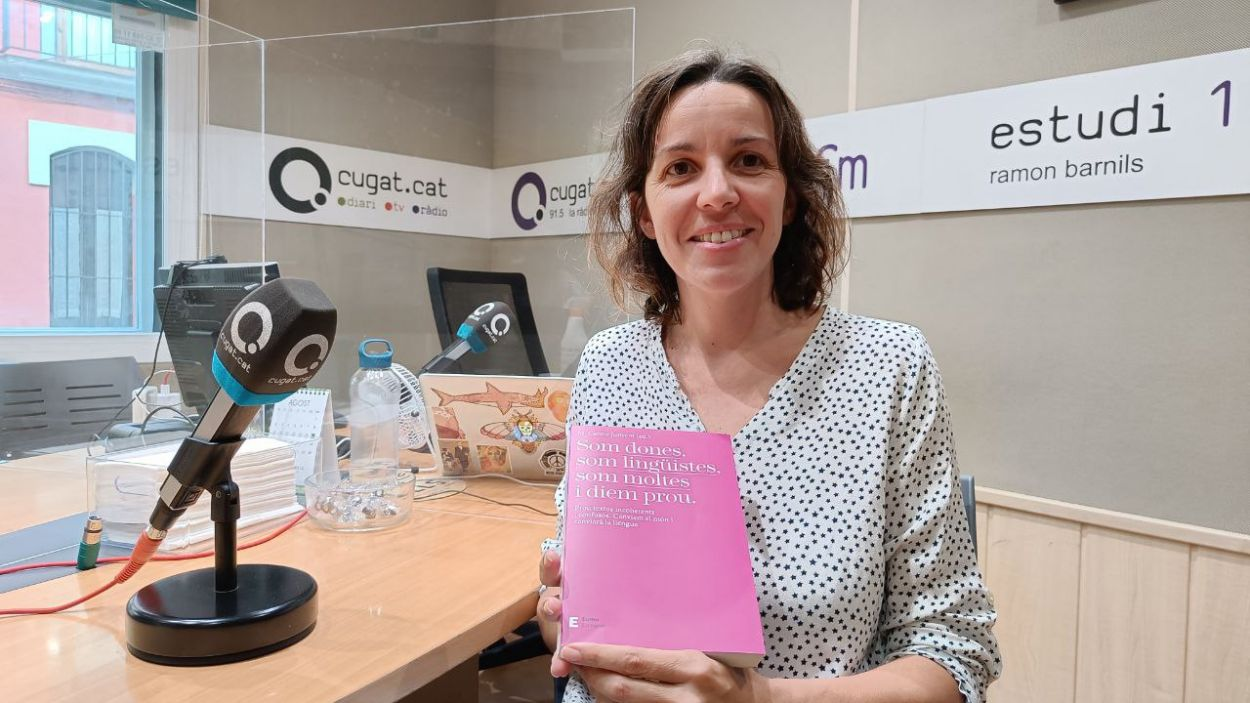 Mireia Farrús, aquest dimecres a l'estudi Ramon Barnils de Ràdio Sant Cugat / Foto: Cugat Mèdia