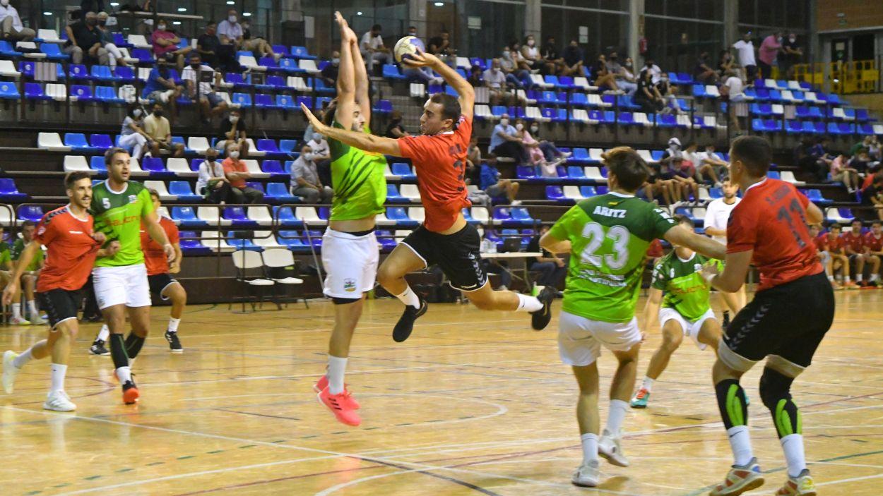 L'Handbol Sant Cugat vol sumar un nou triomf a Sabadell / Foto: Anna Maymus