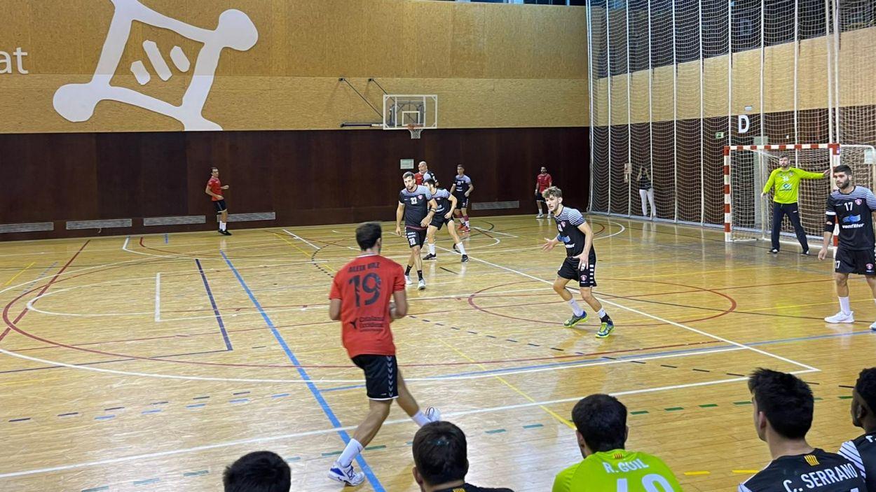Imatge del partit entre l'Handbol Sant Cugat i el Terrassa / Foto: Cugat Mèdia