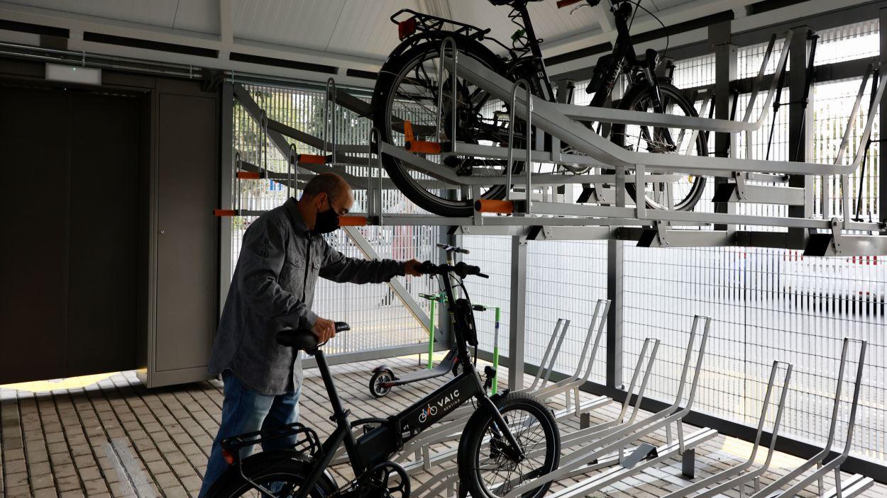 L'interior del bicitancat a Valldoreix. / Foto: FGC