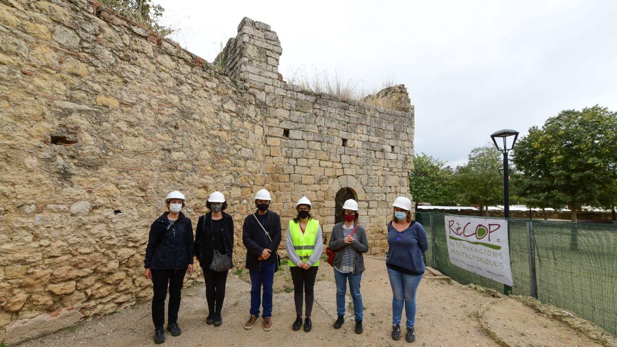 L'equip responsable dels treballs amb la tinent d'alcaldia de Cultura, Esther Madrona / Foto: Localpres