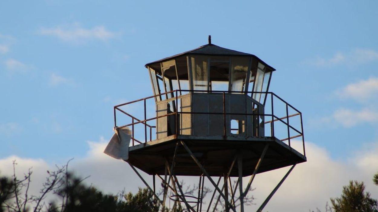 Adeu a l'antiga torre de vigilància de Collserola