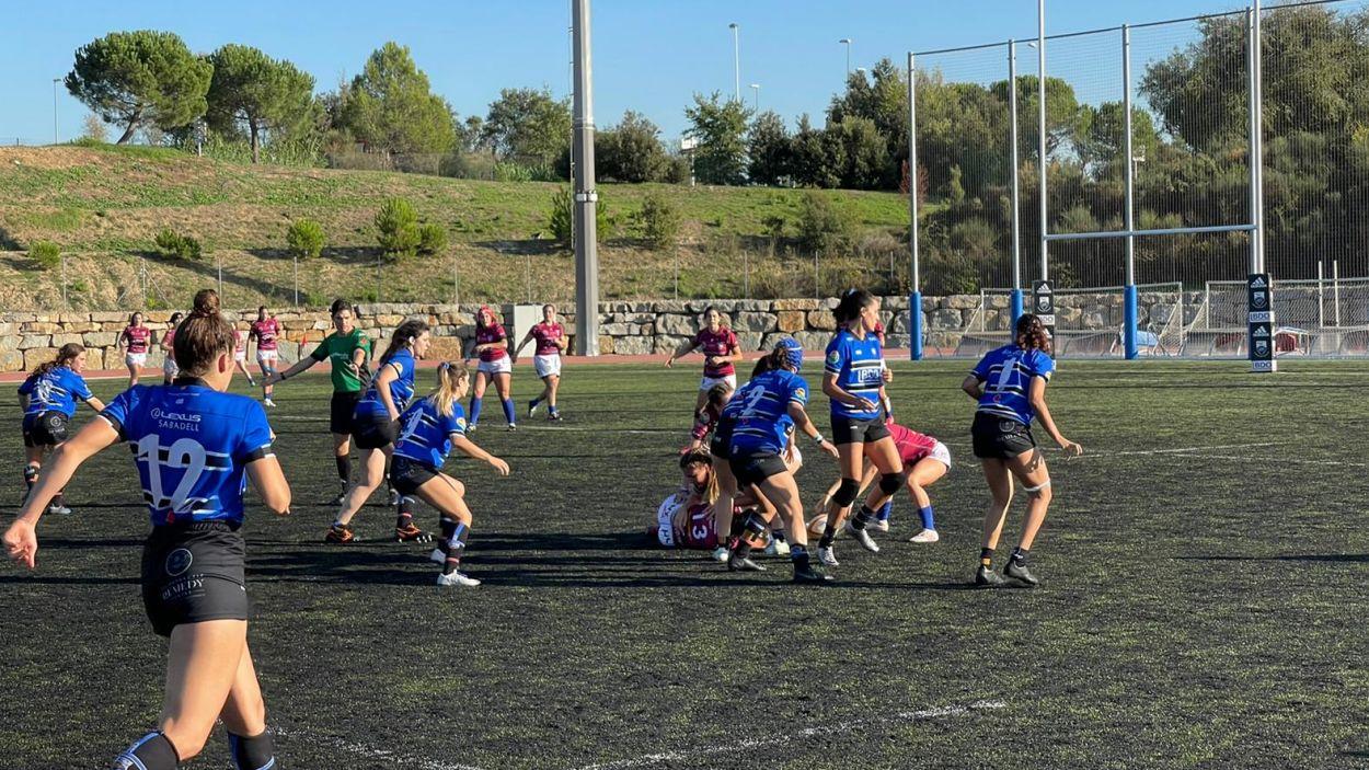 El Rugby Sant Cugat femení competeix, però acaba perdent davant el líder