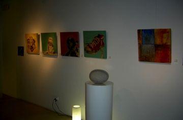 Odó Art agrupa estils pictòrics i escultòrics molt diversos en una exposició