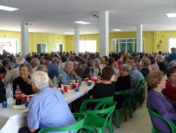 Un dinar agrupa els santcugatencs que enguany fan 65 anys