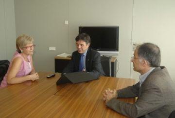 L'alcalde reconeix la tasca de l'expresidenta de l'Entitat Sardanista de Sant Cugat, Laura Tubau
