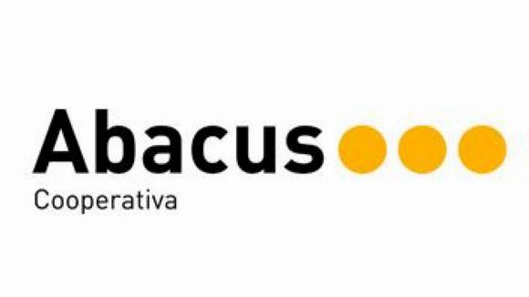 Abacus organitza avui el taller 'Fes un ou de Pasqua amb Magic Dough'