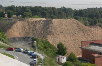 L'EMD de Bellaterra, a l'espera de l'actuació de l'administració per aturar l'abocador de Can Fatjó