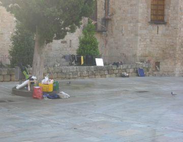 Els 'indignats' marxen de la plaça d'Octavià 17 dies després