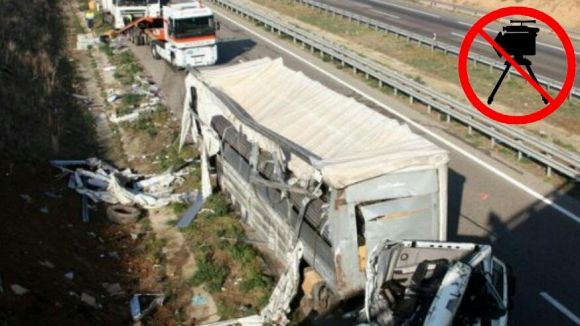 Un camioner mor atropellat a l'AP7 a l'altura de Sant Cugat