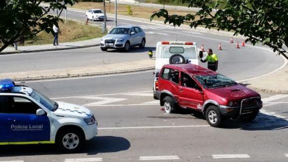 Dos ferits lleus a l'accident entre dos turismes a la carretera de Sant Cugat a Rubí