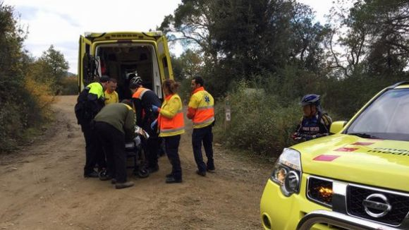 Evacuen un ciclista accidentat a Collserola