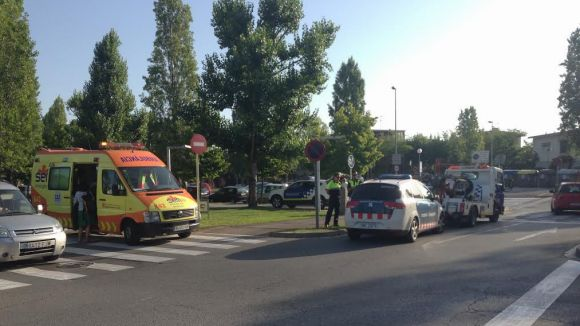 Un ferit lleu en un accident entre un motorista i un cotxe a Francesc Macià