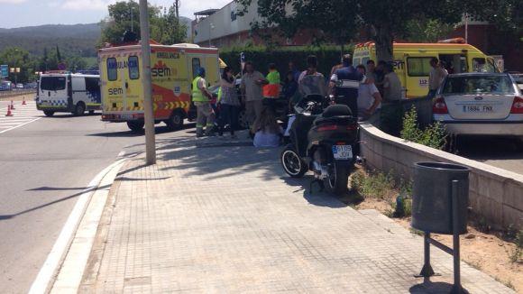 Mor un motorista després de xocar contra un fanal a la carretera de Roquetes
