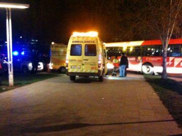 Un dels dos ferits en l'accident d'autobús de la rambla del Celler continua greu