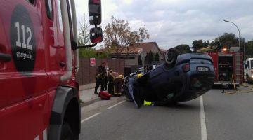 Tres ferits lleus en un accident al passeig d'Olabarria