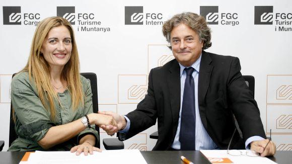 FGC i DINCAT signen un conveni per millorar l'atenció als usuaris amb discapacitat