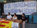 Els joves independentistes animen a tothom a utilitzar el català en qualseol situació