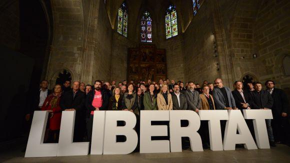 El món local independentista s'uneix per reclamar el cessament immediat de la 'persecució' judicial