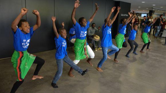 10 infants de Malawi arriben avui a Sant Cugat en el projecte educatiu de Petits Músics del Món