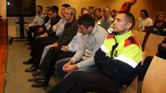 Jutgen una banda de lladres acusats de saquejar 30 habitatges