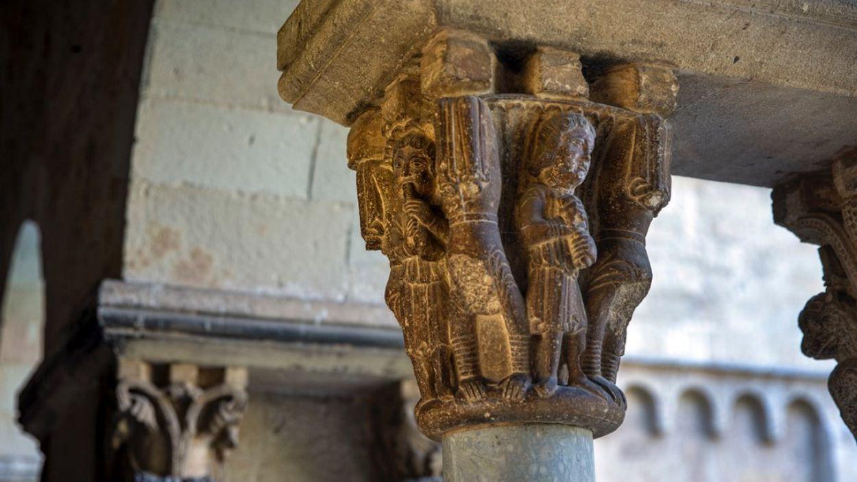 Visita: 'Els capitells musicals del Claustre del Monestir de Sant Cugat'