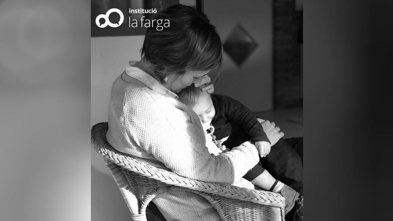Cursos en línia d'orientació familiar per a pares i mares: 'Primeres passes'