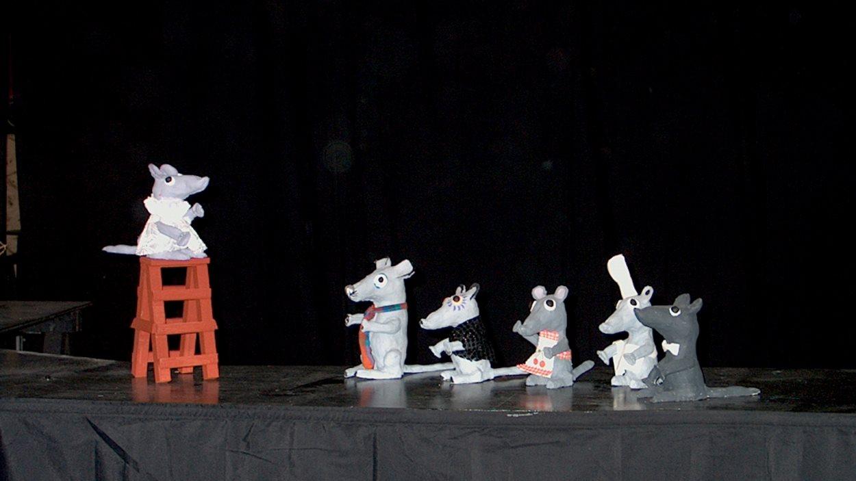 Titelles: 'Les aventures de la família Ratón'