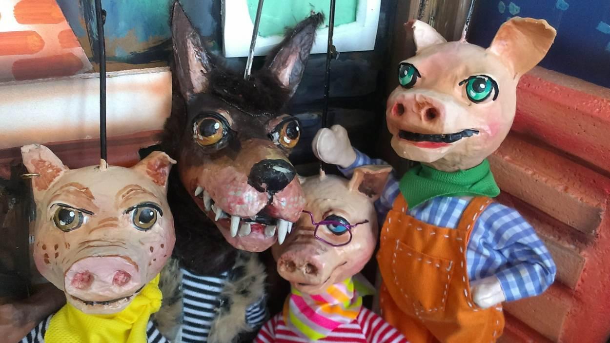 Titelles: 'Els Tres Porquets'