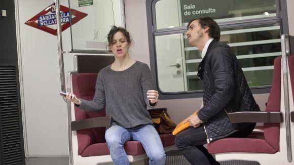 FGC porta de nou als combois 'perfomances' teatrals per conscienciar els usuaris sobre l'incivisme