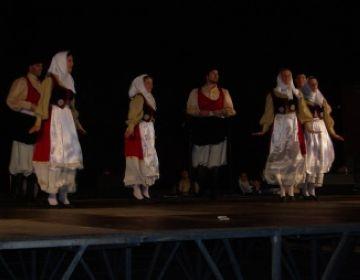 Les danses balears i catalanes s'uneixen de la mà d''Aires de Mallorca'