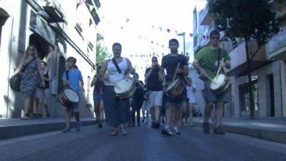 El so de les gralles i els timbals desperten la ciutat per Sant Pere