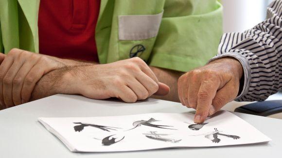 L'AFAV proporcionarà ajuts a malalts d'alzheimer que no poden accedir a tractaments