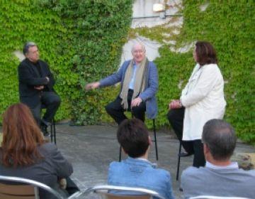 Els actors de 'Retorn a Andratx' reciten el Porcel més pur a la Biblioteca del Mil·lenari