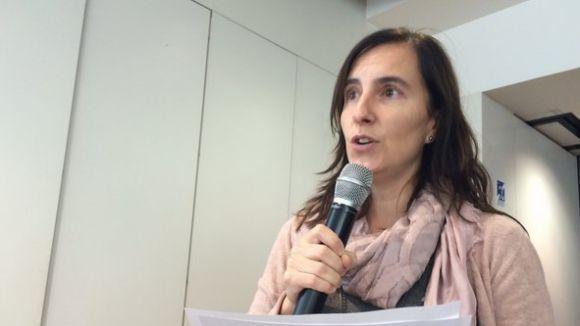 Júlia Gifra, representant de l'AMPA de La Farga a l'audiència ciutadana d'aquest dilluns